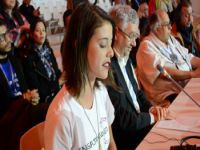 Brasileira fala em nome da juventude mundial na plenária final da COP 21. 23434.jpeg