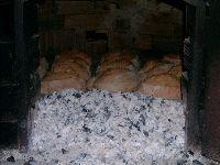 Brasileiro não divide o pão. 29441.jpeg