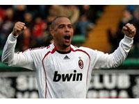 Ronaldo reestrea pelo Milan: ''Eu tentarei e, se eu tiver a possibilidade, quero marcar
