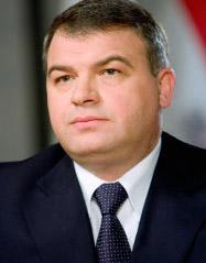 Serdiukov propôs o treinamento de oficiais brasileiros na Rússia