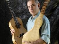 Concertista Roberto Corrêa divulga a viola caipira e viola de cocho em Montevidéu