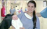 Mulher grávida que leva tiro na barriga dà a luz