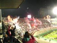 O «Torto» uruguaio ficou cego: Defensor Sporting 0 x Estudiantes de la Plata 1 em Montevidéu.