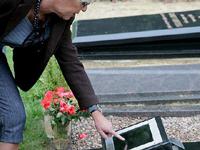 Chorou a morte de seu marido em uma tumba equivocada