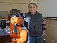 Equipa da FCTUC desenvolve ferramenta para integrar a Realidade Virtual na programação de robôs industriais. 30516.jpeg