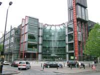 Canal da televisão britânica recebe 2 mil queixas por mostrar imagem de Diana