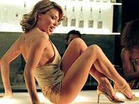 Kylie Minogue gosta de investir em novas posições sexuais