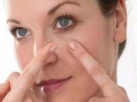 Mau uso de lente de contato pode cegar. 32538.jpeg
