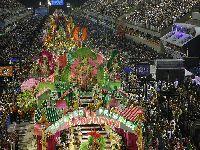 Xingado e vaiado em todo o país, Bolsonaro tenta desmoralizar o carnaval. 30565.jpeg
