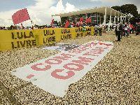 Protesto em Lisboa nos 500 dias da prisão política de Lula da Silva. 31574.jpeg