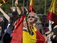 Manifestações espanholistas contam com o apoio de forças de extrema-direita e do governo. 27578.jpeg