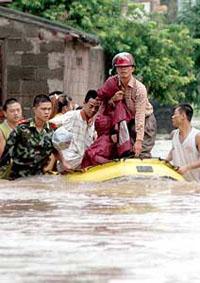 71 mortos e 10,6 milhões de chineses desabrigados por causa das inundações