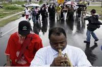 Bush visitou Nova Orleans lembrando a passagem devastadora do furacão Katrina