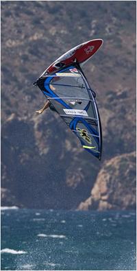 Cabo-verdiano Josh Angulo continua a liderar Circuito Mundial de Windsurf