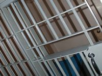 No Brasil, a população carcerária é de 711.463 presos. 20618.jpeg