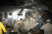 Colsão de dois trens no Rio deixa  8 motros  e mas de 100 feridos