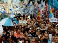 Argentinos se mobilizam contra Macri em todo o país. 23634.jpeg
