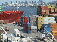 Balança comercial tem saldo de US$ 13,987 bilhões no primeiro semestre