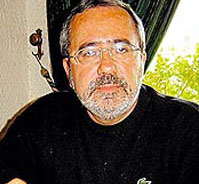 Caixão com restos mortais do brasileiro morto no Iraque chegou ao Brasil