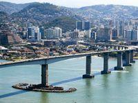 No Espírito Santo, Sudeste do Brasil, 332.876 mil pessoas vivem em áreas de risco. 23656.jpeg