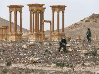 Aviões russos bombardeiam Daesh no deserto da Síria. 34656.jpeg