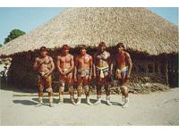 Brasil: Índios contra barragem no Rio Xingu