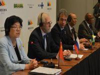 Representantes dos BRICS discutem assuntos populacionais. 21681.jpeg