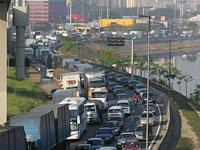 Congestionamento na Marginal do Tietê causado pelo protesto de caminhoneiros