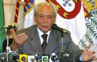 """Ministro da Defesa: """"Crise não será resolvida antes de um ano"""""""