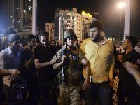 Militares turcos derrubam aspirante a sultão?. 24726.jpeg