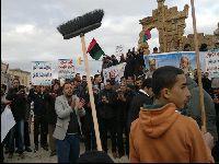 Migrantes são vendidos na Líbia, país que a NATO destruiu. 27728.jpeg