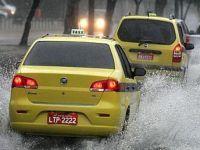 Chuva deixa 1 morto e 200 desabrigados no RJ. 17732.jpeg