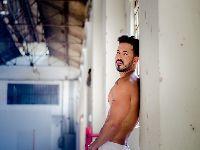Mister Brasil Matheus Gouveia afirma que para ter sorte tem que estar de cueca branca na virada do ano. 25742.jpeg