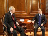 Medvedev encontra-se com Presidente da Abkházia