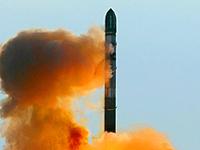 Rússia lança míssil balístico RS-20B  para colocar na órbita satélite da Tailândia
