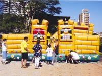 Duas crianças morreram em acidente  com brinquedos infláveis em Curitiba