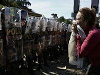 «Pacotaço» aprovado em Curitiba no meio de grande repressão. 26829.jpeg