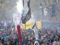 Mais de 200 mil em Buenos Aires em defesa da escola pública. 28831.jpeg