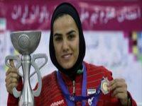 Jogadora iraniana de futsal feminino, entre as 10 melhores do mundo. 23834.jpeg
