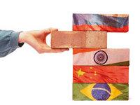 Os BRICs de mãos dadas em prol de uma nova ordem mundial
