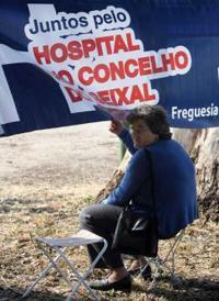Centenas de pessoas exigiram a construção do hospital do Seixal