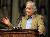 Noam Chomsky, Chico Buarque e Raduan Nassar encabeçam manifesto que denuncia perseguição a Lula. 27897.jpeg