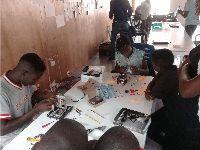 Angola: Fábrica de Sabão e Fundação de Inovação Africana recebem especialistas. 28899.jpeg