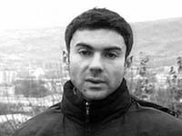 Jornalista russo estrangulado por um cinto