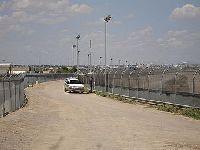Muro da vergonha: Donald Trump manda erguer muro contra o México. 25913.jpeg