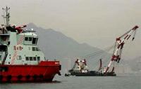 18 tripulantes ucranianos presos em barco naufragado