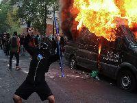 Dezenas de detidos e policiais feridos em protestos no Chile. 34937.jpeg