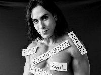 Modelo Ricardo Dias posa exibindo liberdade de expressão. 28948.jpeg