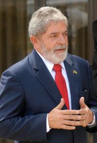 Lula visita Índia para aumentar exportações