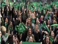 Um dia histórico para o feminismo na América do Sul. 28971.jpeg